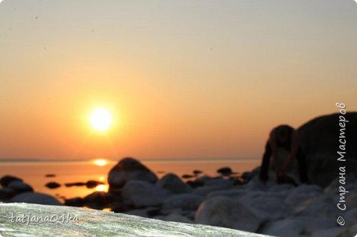 Хочется поделиться очередной порцией фотографий ,,,вчерашняя прогулка по морю,,,И этот фоторепортаж о том, каким выглядим пляж Балтийского моря,,в одном месте он может быть песчаным ,а в другом прямо утопает в булыжниках,,, фото 14