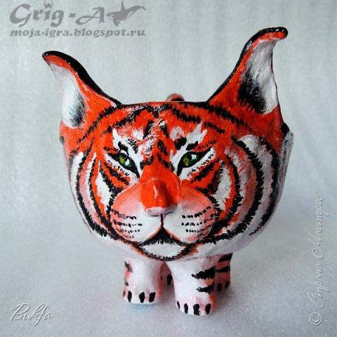 Всем привет из гончарной мастерской! Решила показать результат совместного творчества некоторых членов нашей семьи. Это тигровая чаша или посудный тигр).