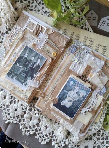 следующий разворот. на первой страничке моя бабушка по линии отца, я маленькая и отец. На второй страничке бабушка по линии мамы, мама маленькая и ее брат.