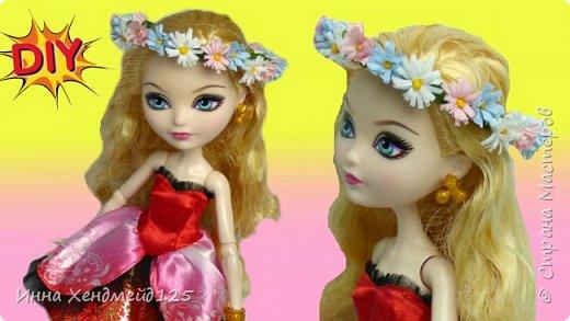 Для куколки сплела веночек из ромашек. Весна пришла и в кукольный мир:)  Венок делала из искусственных цветов. Можно сделать такой же веночек и из живых — используя данную технику плетения.