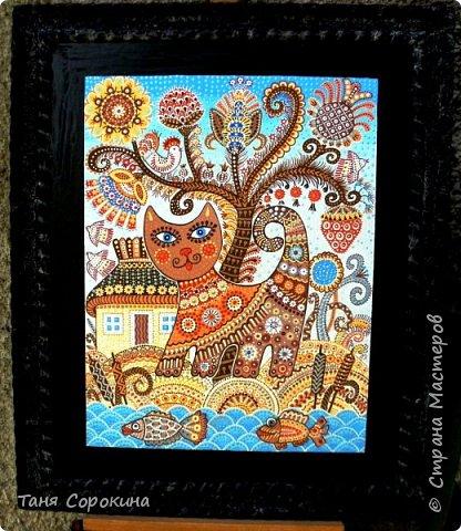 Давно хотелось придумать что-то своё в украинском стиле и вот получился лубок. Сначала придумалась картинка, она получилась многоцветной, лубочной...искала к ней стихи в инете, но ничего не подошло, пришлось сочинять самой))). По кругу написано: Весна красна розквіта, Квітнуть села і міста, Вбране різнокольорово Навіть хутро у кота.  Русский вариант: У весны свои цвета, Брызжет солнцем красота. Разрисована цветами Даже шубка у кота. фото 3