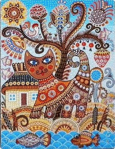 Давно хотелось придумать что-то своё в украинском стиле и вот получился лубок. Сначала придумалась картинка, она получилась многоцветной, лубочной...искала к ней стихи в инете, но ничего не подошло, пришлось сочинять самой))). По кругу написано: Весна красна розквіта, Квітнуть села і міста, Вбране різнокольорово Навіть хутро у кота.  Русский вариант: У весны свои цвета, Брызжет солнцем красота. Разрисована цветами Даже шубка у кота. фото 2