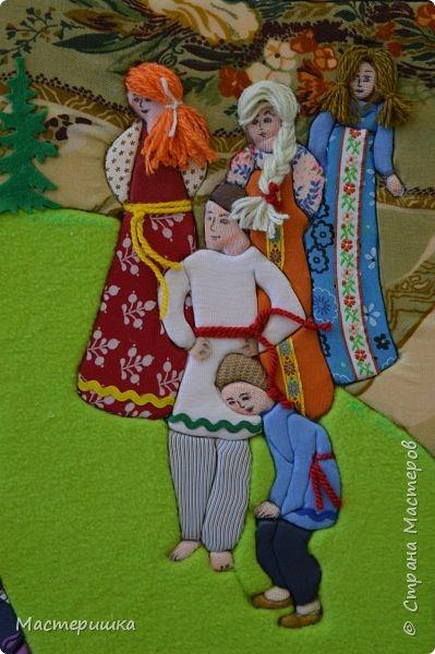 """Всем доброго дня! Сегодня я показываю работы ребят из моего кружка, выполненные к областному конкурсу  """"Произведения уральских писателей в в декоративно - прикладном и изобразительном творчестве"""". Это работа Гашевой Алёны (4 класс)  «Поиграем в поясок».  Номинация - Уральское устное народное творчество. фото 4"""