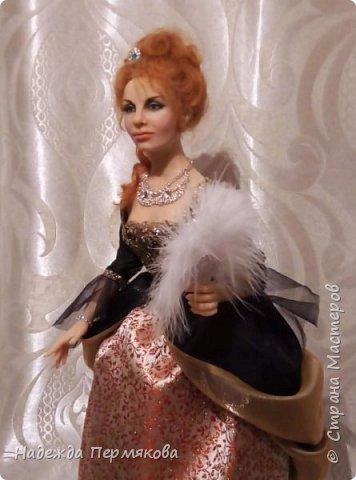 две разные куклы на одну тему сделаны в одно примерно время но для совершенно разных людей. Материал разный,цернит и ливингдолл. а вот размер один 50 см.