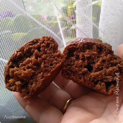 Добрый день дорогие мастера и мастерицы. Сегодня покажу вам как приготовить шоколадные капкейки с шоколадным кремом. фото 9