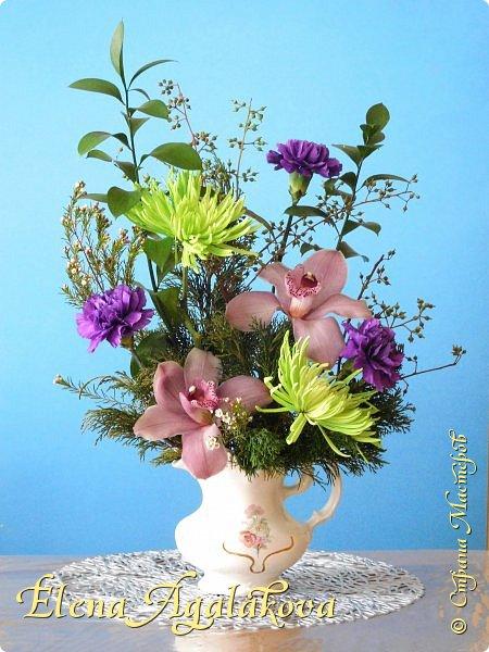 Добрый день! Сегодня я к вам снова с композициями из цветов.  Прошлым летом я решила осуществить еще одну свою мечту - научится цветочному дизайну. Очень люблю цветы, травки-муравки, деревья и вообще все растения. Очень увлекательно работать с цветами! Я взяла небольшой курс по цветочному дизайну. Дома делаю аранжировки из того что под рукой, беру цветы которые найду, даже полевые и из своего садика. Люблю использовать разные веточки, травинки...  Делюсь красотой!  фото 13