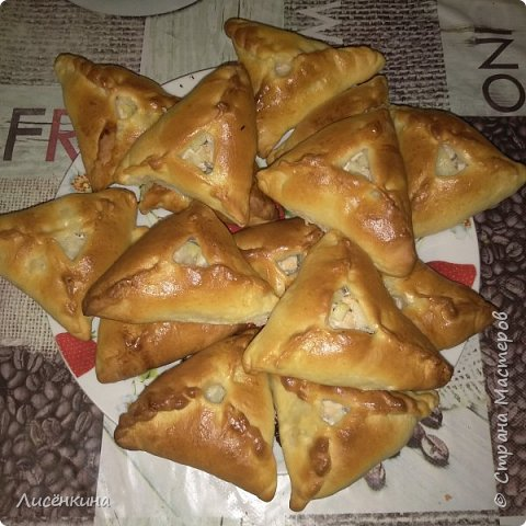 Добрый день дорогие мастера и мастерицы. Сегодня хочу рассказать вам о татарском народном блюде которому даже возвели памятник в Казани. Называется это блюдо очень интересно Эчпочмак. фото 7