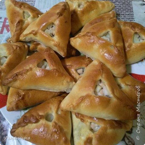 Добрый день дорогие мастера и мастерицы. Сегодня хочу рассказать вам о татарском народном блюде которому даже возвели памятник в Казани. Называется это блюдо очень интересно Эчпочмак.