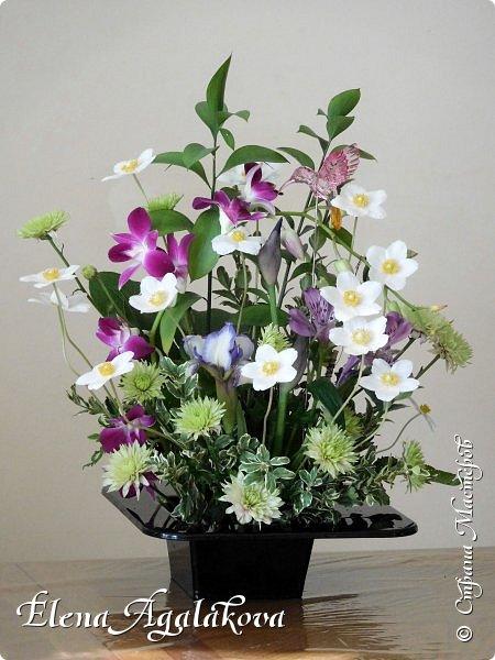 Добрый день! Сегодня я к вам снова с композициями из цветов. Прошлым летом я решила осуществить еще одну свою мечту - научится цветочному дизайну. Очень люблю цветы, травки-муравки, деревья и вообще все растения. Очень увлекательно работать с цветами! Я взяла небольшой курс по цветочному дизайну. Дома делаю аранжировки из того что под рукой, беру цветы которые найду, даже полевые и из своего садика. Люблю использовать разные веточки, травинки... Делюсь красотой!  фото 6