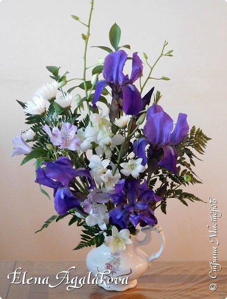 Добрый день! Сегодня я к вам снова с композициями из цветов. Прошлым летом я решила осуществить еще одну свою мечту - научится цветочному дизайну. Очень люблю цветы, травки-муравки, деревья и вообще все растения. Очень увлекательно работать с цветами! Я взяла небольшой курс по цветочному дизайну. Дома делаю аранжировки из того что под рукой, беру цветы которые найду, даже полевые и из своего садика. Люблю использовать разные веточки, травинки... Делюсь красотой!  фото 16