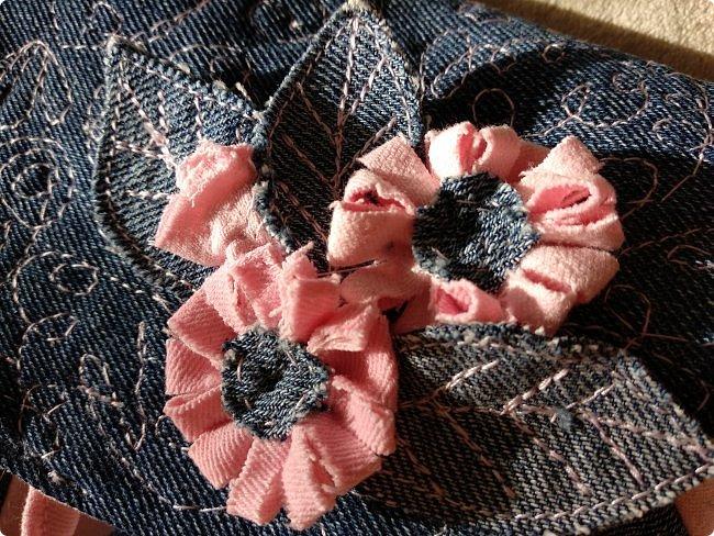 Маленькая сумочка через плечо. Из двух джинсов, розовые и синие. Розовые - мягкие. фото 8