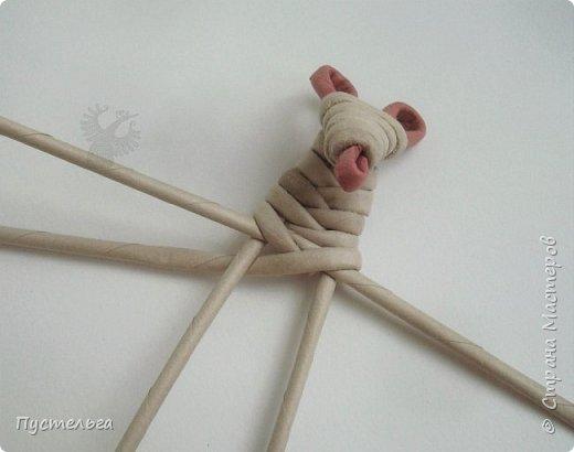 """К Новому году готовимся летом! Сплетём мышку-малышку.  Всего 6 трубочек, из них 1 розовая. Бумага """"Кондопога"""" Ширина полосы 7 см, спица 1,2 мм фото 11"""