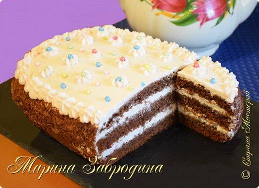 Всем привет! Попробуйте приготовить вот такой замечательный, вкуснейший и простой в исполнении  торт-пирог. По структуре очень мягкий, влажный, нежный! Приятного аппетита!  Желаю всем приятного аппетита и хорошего настроения! Благодарю за просмотр, заходите на мой канал, там Вы найдете много проверенных видео - рецептов очень вкусной сладкой и несладкой выпечки, тортов, пирожных, мясных блюд, салатов и т.д которые легко приготовить!  Для теста (форма 19х26 см):  240 г муки  3 яйца  30 г какао-порошка  200 мл молока  160 мл растительного масла  180 г сахара  10 г разрыхлителя  ванилин щепотка соли  Для крема:  300 г сливочного творожного сыра 470 мл сливки 33-35%  130 г сахарной пудры  8 г ванильного сахара 40 гр. пюре малины