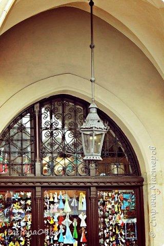 Есть у меня небольшое хобби,,привозить с каждого путешествия ,с каждой поездки фонарики,,,или уличное  освещение,,В этот раз побывала в Польше,,,и вот с Кракова  привезла тоже  ,,,,, фото 2