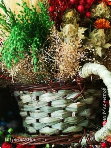 В середине августа побывала с туристической группой в Польше ,в городе Закопане,,,,Там достаточно большой рынок,где продавалась местная продукция,сыры,кожаные изделия,,,А в одном из отделов,,милая полячка продавала букетики из сухоцветов,,ну как можно было пройти мимо? Вот напросилась и ,,,,,оставила себе  воспоминания фото 23