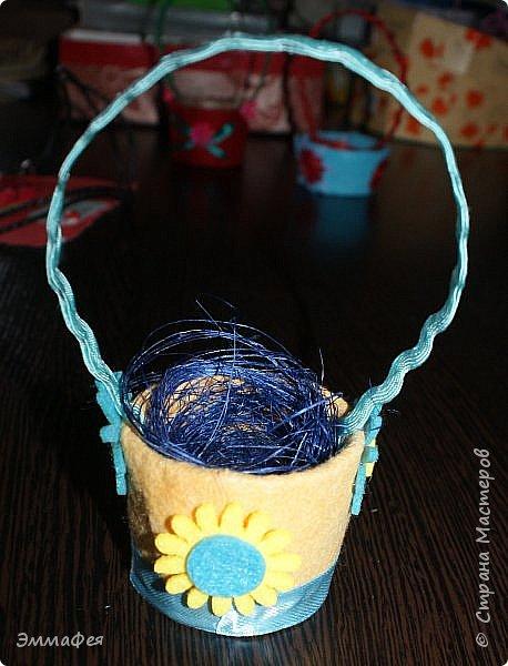 Яйца сделаны собтвенноручно, использована натуральная яичная скорлупа как матрица, потом разбила ее и отправила в мусор.  Часть яичек расписаны вручную акриловыми красками, часть украшены в технике декупаж. фото 8