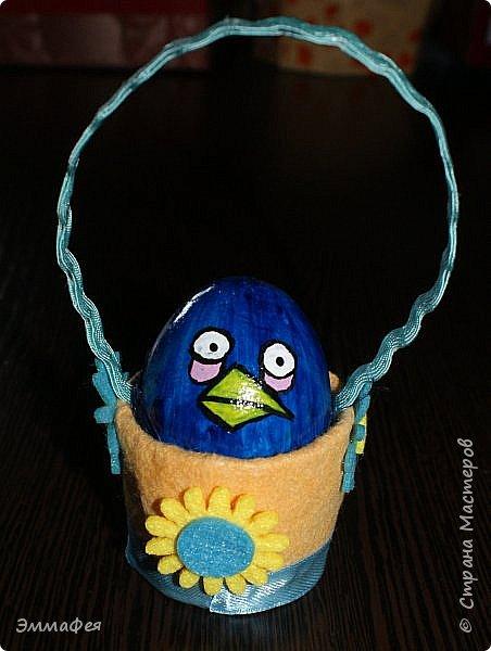 Яйца сделаны собтвенноручно, использована натуральная яичная скорлупа как матрица, потом разбила ее и отправила в мусор.  Часть яичек расписаны вручную акриловыми красками, часть украшены в технике декупаж. фото 14