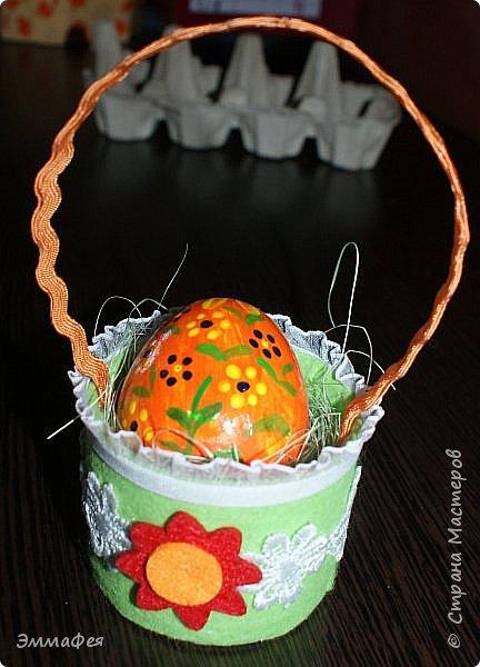 Яйца сделаны собтвенноручно, использована натуральная яичная скорлупа как матрица, потом разбила ее и отправила в мусор.  Часть яичек расписаны вручную акриловыми красками, часть украшены в технике декупаж. фото 16
