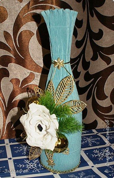 Сразу оговорюсь: свит-дизайном занимается моя мама Гараева Ольга, но здесь ее страницы нет, а поделиться хочется очень, ведь она у меня такая рукодельница!  Это упаковка жестяной коробки печенья в виде новогодних часов. Декор: картинка часов, распечатанная на фотобумаге, мишура, синельная проволока, кружево, конфеты фото 35