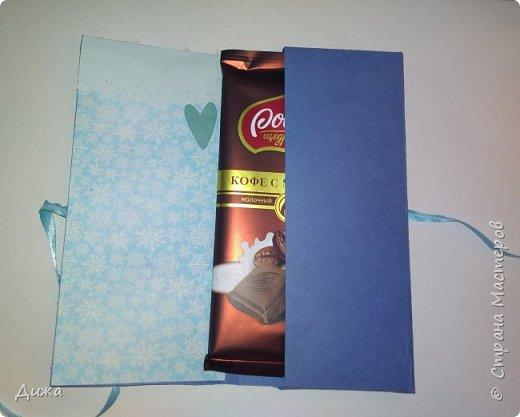 Всем здравствуйте! Сегодня хочу вам показать мои первые шоколадницы :-) Потихоньку начала готовить подарки своим друзьям, а потом ещё и учителям буду. А то вдруг не успею ещё )  Огромное спасибо Людмиле https://stranamasterov.ru/user/341612  за красивую вырубку, всегда очень выручает, СПАСИБО ВАМ!!!   Фото со вспышкой фото 3