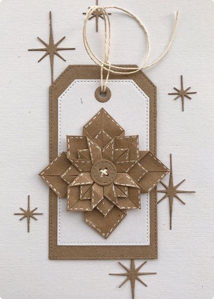 """Принимайте и мою искру в шкатулку драгоценностей Страны мастеров. Звезда моя не спроста в технике оригами, ведь на сайт я пришла  11 лет тому назад, именно из-за этой техники. Она меня завораживала,  казалась """"высшей математикой"""" :))) Думаете, я ее познала, увы, я лишь немного прикоснулась к простым  фигурам:)  Искра сделана по мк https://m.blog.naver.com/silkbody/20137182388 фото 2"""