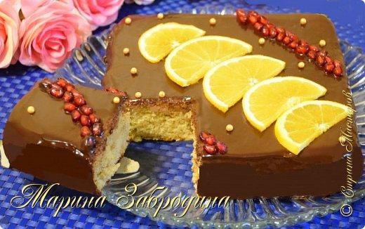 """Привет, друзья! Сегодня приготовим очень простой и невероятно вкусный пирог """"Пряный Апельсин"""". Готовится этот изумительный пирог очень быстро. Нежный, влажный, сладкий – это настоящее пряное наслаждение!  Желаю всем приятного аппетита и хорошего настроения! Благодарю за просмотр, заходите на мой ютуб канал, там Вы найдете много проверенных видео - рецептов которые легко приготовить! Также жду Ваши фото в группе """"Марина Забродина"""" ВКонтакте 😊  Ингредиенты: 4 яйца 200 гр.тыква (можно заменить на свежую морковь, потереть на крупной терке в тесто) 180 гр. сахара 180 мл. растительного масла (без запаха) 200 гр. муки 90 гр. изюма 10 гр. разрыхлителя  щепотка соли ванилин 0,5 ст.л  цедра апельсина  корица - 1 ч.л мускатный орех - 1/3 ч.л  Для пропитки: • вода — 50 мл; • сахар — 15 г; • сок апельсина — 80 мл  Для глазури: • темный шоколад — 130 г; • сливки 20 % — 100 мл;"""