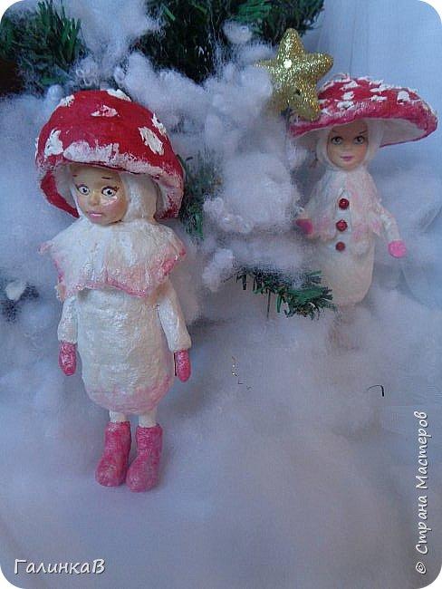 """Добрый всем вечер! Новый год """"на носу"""", а снегом у нас и не пахнет! Но новогоднее настроение присутствует, несмотря на мерзкую бесснежную погоду. Но на фотках моих ватных деток снежок имеется! И елочка! И детки в карнавальных костюмчиках. фото 17"""