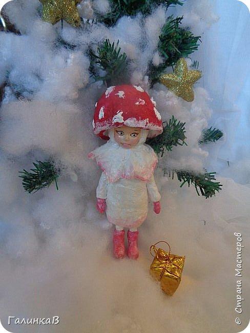 """Добрый всем вечер! Новый год """"на носу"""", а снегом у нас и не пахнет! Но новогоднее настроение присутствует, несмотря на мерзкую бесснежную погоду. Но на фотках моих ватных деток снежок имеется! И елочка! И детки в карнавальных костюмчиках. фото 5"""