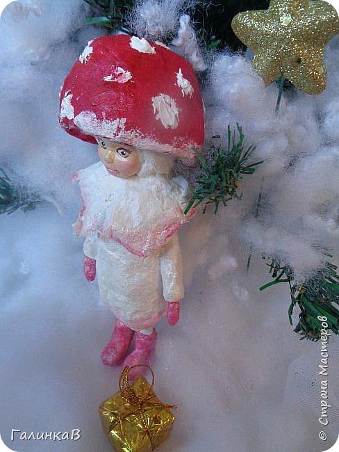 """Добрый всем вечер! Новый год """"на носу"""", а снегом у нас и не пахнет! Но новогоднее настроение присутствует, несмотря на мерзкую бесснежную погоду. Но на фотках моих ватных деток снежок имеется! И елочка! И детки в карнавальных костюмчиках. фото 7"""