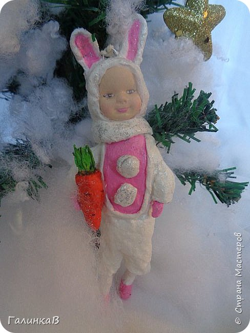 """Добрый всем вечер! Новый год """"на носу"""", а снегом у нас и не пахнет! Но новогоднее настроение присутствует, несмотря на мерзкую бесснежную погоду. Но на фотках моих ватных деток снежок имеется! И елочка! И детки в карнавальных костюмчиках. фото 8"""