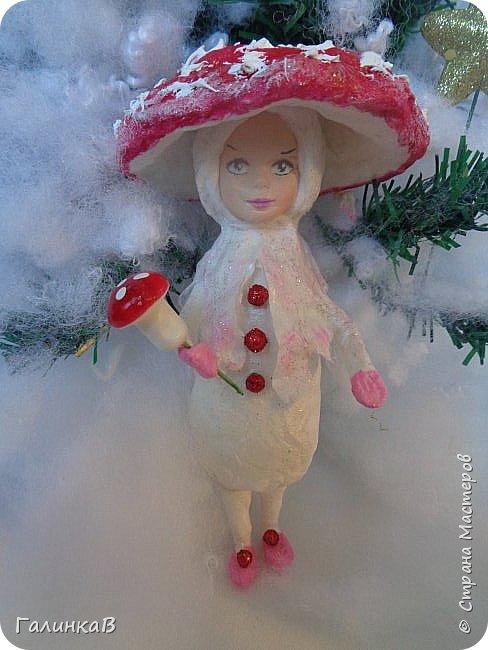 """Добрый всем вечер! Новый год """"на носу"""", а снегом у нас и не пахнет! Но новогоднее настроение присутствует, несмотря на мерзкую бесснежную погоду. Но на фотках моих ватных деток снежок имеется! И елочка! И детки в карнавальных костюмчиках. фото 12"""
