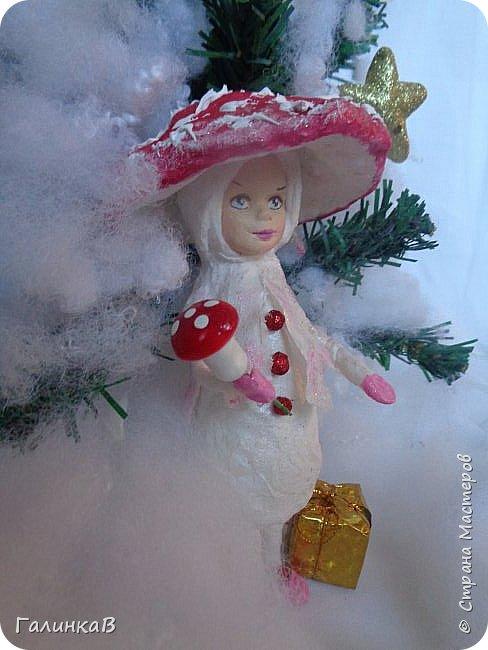 """Добрый всем вечер! Новый год """"на носу"""", а снегом у нас и не пахнет! Но новогоднее настроение присутствует, несмотря на мерзкую бесснежную погоду. Но на фотках моих ватных деток снежок имеется! И елочка! И детки в карнавальных костюмчиках. фото 14"""