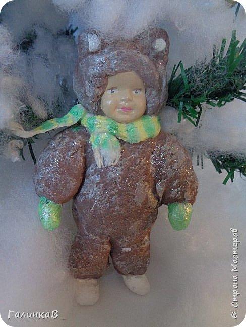 """Добрый всем вечер! Новый год """"на носу"""", а снегом у нас и не пахнет! Но новогоднее настроение присутствует, несмотря на мерзкую бесснежную погоду. Но на фотках моих ватных деток снежок имеется! И елочка! И детки в карнавальных костюмчиках. фото 3"""