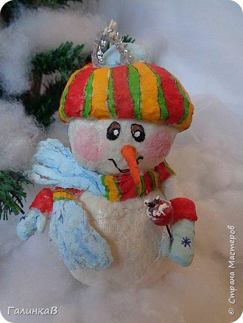 Всем мастерицам и мастерам доброго дня! Сегодня мы пришли целой семейкой грызунов! Папа, мама, сынок и дочка! Все новогодние, нарядные и веселые! Чего ж грустить, ведь скоро Новый Год. И конечно же - подарки!!! фото 12