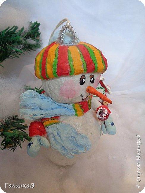 Всем мастерицам и мастерам доброго дня! Сегодня мы пришли целой семейкой грызунов! Папа, мама, сынок и дочка! Все новогодние, нарядные и веселые! Чего ж грустить, ведь скоро Новый Год. И конечно же - подарки!!! фото 14