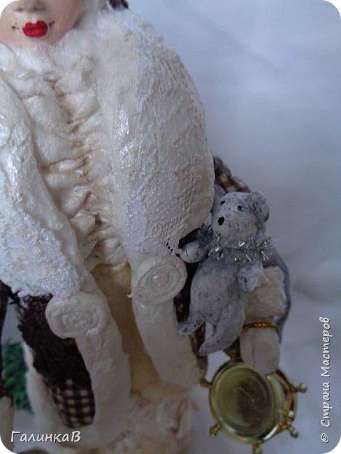 """Добрый день, мои дорогие! Снова я сегодня с куколкой из ваты! Давно вынашивала идею сделать из ваты вот такую барышню, да все не решалась. Но...глаза боятся, а руки делают. Это моя первая работа такого масштаба. Куколка в высоту 25 см. Хотелось сделать барышню именно дворянку. Обожаю все, что связано с тем временем: люблю дворянские усадьбы, одежду, вообще дух вот этого дореволюционного периода. Помните, как в песне """"Как упоительны в России вечера"""" - балы, красавицы, лакеи, юнкера и вальсы Шуберта и вкус французской булки.... фото 4"""