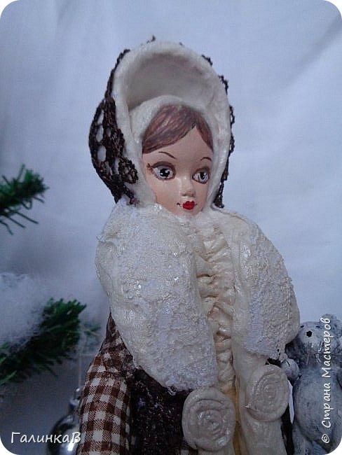 """Добрый день, мои дорогие! Снова я сегодня с куколкой из ваты! Давно вынашивала идею сделать из ваты вот такую барышню, да все не решалась. Но...глаза боятся, а руки делают. Это моя первая работа такого масштаба. Куколка в высоту 25 см. Хотелось сделать барышню именно дворянку. Обожаю все, что связано с тем временем: люблю дворянские усадьбы, одежду, вообще дух вот этого дореволюционного периода. Помните, как в песне """"Как упоительны в России вечера"""" - балы, красавицы, лакеи, юнкера и вальсы Шуберта и вкус французской булки.... фото 5"""