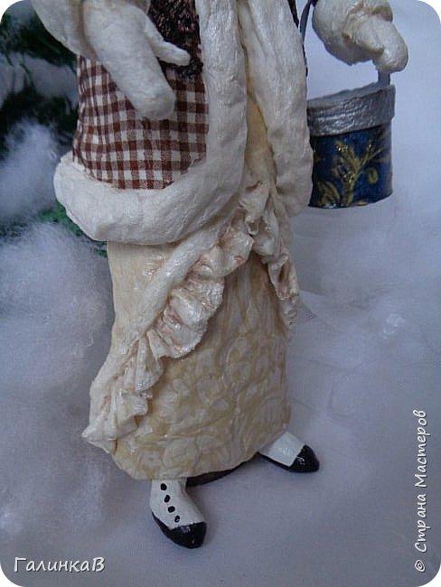 """Добрый день, мои дорогие! Снова я сегодня с куколкой из ваты! Давно вынашивала идею сделать из ваты вот такую барышню, да все не решалась. Но...глаза боятся, а руки делают. Это моя первая работа такого масштаба. Куколка в высоту 25 см. Хотелось сделать барышню именно дворянку. Обожаю все, что связано с тем временем: люблю дворянские усадьбы, одежду, вообще дух вот этого дореволюционного периода. Помните, как в песне """"Как упоительны в России вечера"""" - балы, красавицы, лакеи, юнкера и вальсы Шуберта и вкус французской булки.... фото 9"""