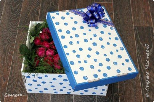 Вот такой подарок для подруги получился. Всё как она любит - цветы, сладости и чай. фото 1