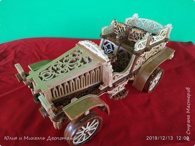 Автомобиль Михаэль выпилил из 6 мм фанеры. Длинна 30 см Высота 14 см Ширина 15 см фото 3