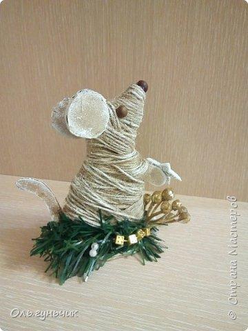 С наступающим новым годом всех жителей нашей чудесной страны!!! Хочу показать вам наших мышек, которые я со своим детьми сделала к празднику для наших бабушек... Вот такое трио...мечтательные мышки, загадывающие желание... фото 3