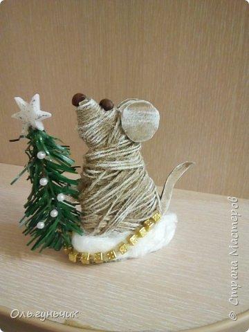 С наступающим новым годом всех жителей нашей чудесной страны!!! Хочу показать вам наших мышек, которые я со своим детьми сделала к празднику для наших бабушек... Вот такое трио...мечтательные мышки, загадывающие желание... фото 4