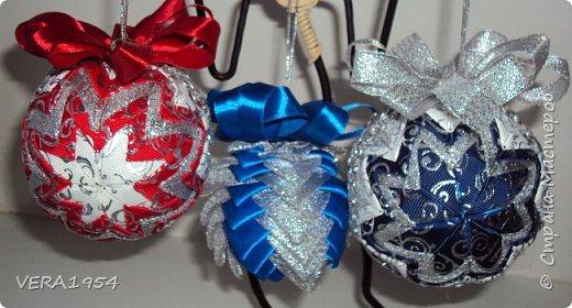 Добрый день, друзья!    Для подарков сделала шарики в технике артишок. фото 1