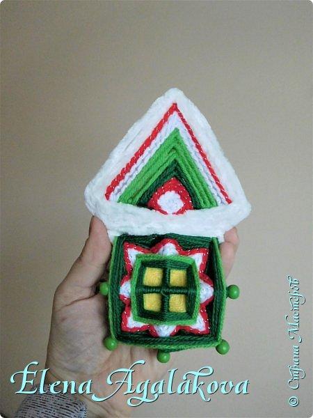 В прошлом году я уже плела домики мандалы https://stranamasterov.ru/node/1156516 . В этом году вернулась к ним снова чтобы сделать подарки своим друзьям и родным. Они немного изменились и улучшились. Стали более уютными. фото 3