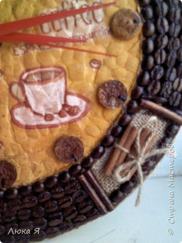 Кофейные часики, Внутри делала декупаж на яичной скорлупе, Циферблат из винной пробки. фото 5