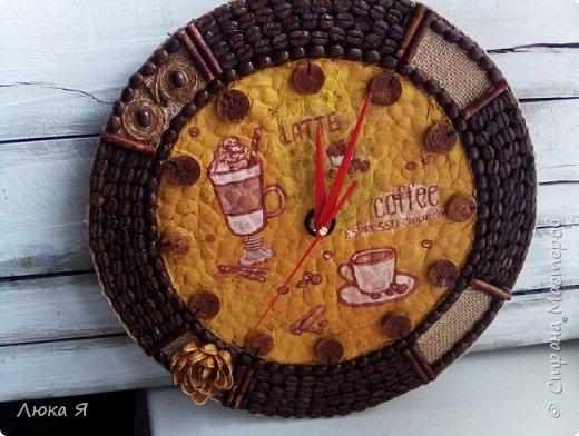 Кофейные часики, Внутри делала декупаж на яичной скорлупе, Циферблат из винной пробки. фото 2