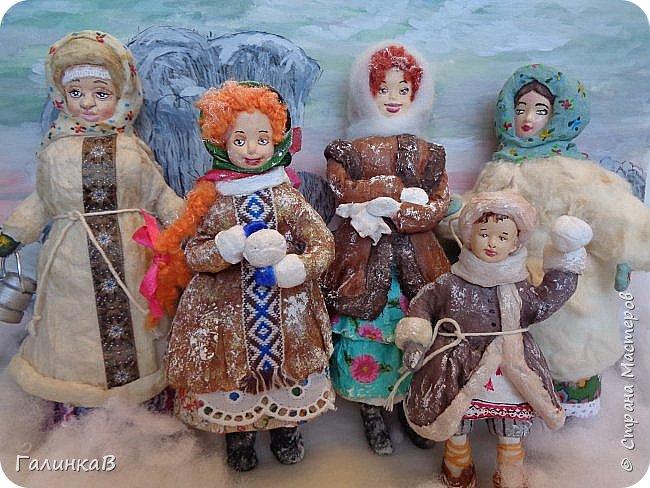 """Добрый всем вечер! Сегодня я опять с ватными игрушками! Ну не отпускают они меня никак! Что называется """"заразилась""""...Вот такие крестьяне прошлого века получились."""