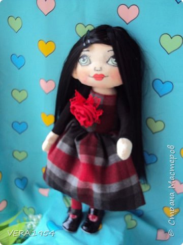 Добрый день, друзья!    Вот такая куколка появилась в подарок для девушки. Пожелания были : куколка с зелеными глазами и темными волосами. фото 3