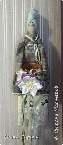 Привет всем,опять я пропадала,но не бездельничала,нашила кукол ,они уже все благополучно раздарены:-)Сшила куклу по мотивам аргентинских кукол. фото 19