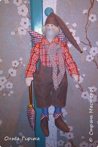 Привет всем,опять я пропадала,но не бездельничала,нашила кукол ,они уже все благополучно раздарены:-)Сшила куклу по мотивам аргентинских кукол. фото 24